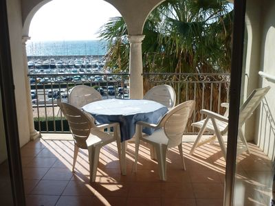 Photo for Relax, 100m from the sea, all amenities, free parking