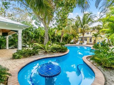 Coconut Lagoon- Newly renovated home with old Floriada appeal.