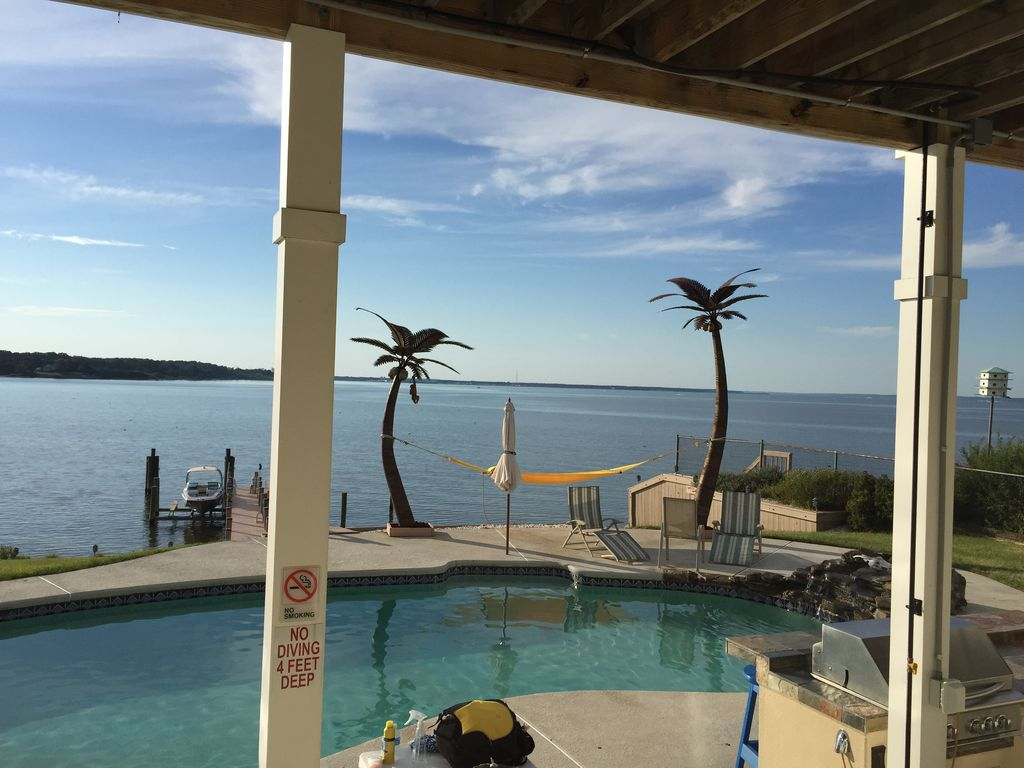 Your waterfront retreat colonial beach virginia for Waterfront retreat
