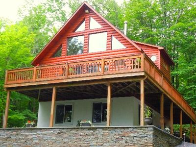 Photo for LOG CABIN CHALET w/NEW 6-PERSON HOT TUB near Kaaterskill Falls & NoLakeSoLakeSo