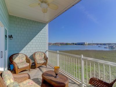 Photo for Charleston Charm w/community pool access, easy walk to beach, 2 blocks from Center St.