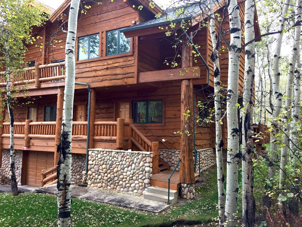Amazing luxury log cabin townhome with all the perks for Log cabins in utah