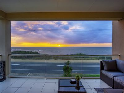 Photo for Spectacular Esplanade 4BR Contemporary with WiFi