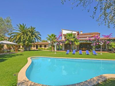 Photo for Air conditioning, 5 bathrooms, 7000 sqm plot, sofa bed, 4 bedrooms, upscale