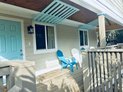 Brand New! Sunny Haze Cottage - walking distance to Twin Beach