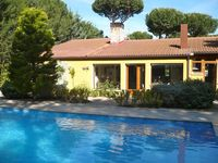Lovely villa, well equipped and nice swimming pool!