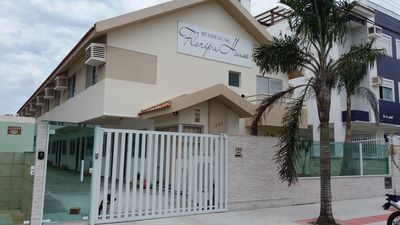 Photo for Season Apartment, 2 bedrooms, 6 people only 2 blocks from the sea. English