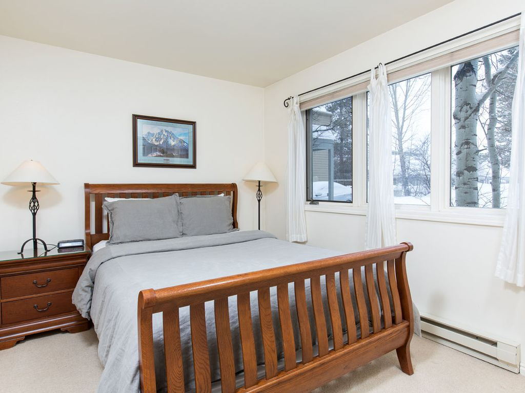 Cozy one bedroom in jackson hole seasonal or vacation for 9 bedroom vacation rentals