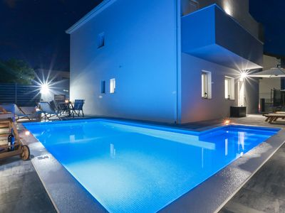 Photo for LUXURY VILLA APARTMENTS MA&RO, with a heated pool next to the sea
