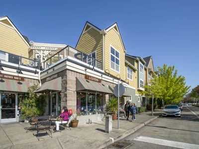 Vancouver Condo near Columbia River just 11 min. away from PDX