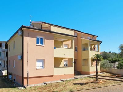 Photo for Apartment FRATICI (UMA405) in Umag - 5 persons, 2 bedrooms