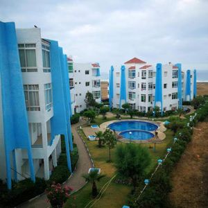 Homerez last minute deal - Nice apt with shared pool and terrace