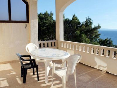 Photo for One bedroom apartment with terrace and sea view Brela, Makarska (A-6006-a)