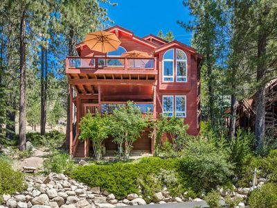 Photo for Paradise Awaits! Steps away from lake, 180 degree views!