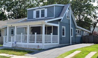 "Comfortable /Updated,  ""Cape"" walking distance to the beach!  Pet Friendly!"