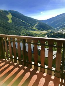 Photo for 3 bed apartment-, 5 mins to cable car, quiet cul-de-sac in Soldeu, fab views