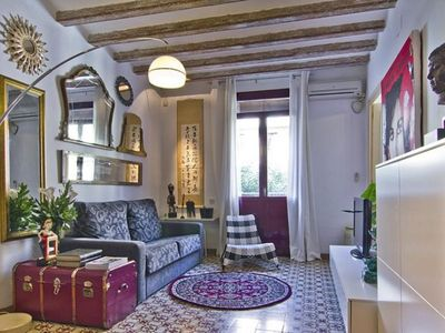 Photo for Almodóvar apartment in Poble Sec with WiFi & air conditioning.