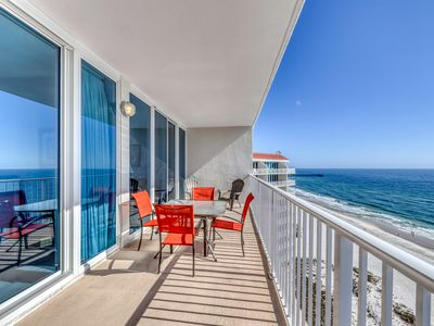 Photo for Gulf-front condo w/ balcony & shared pools/hot tubs/sauna! Family-friendly!