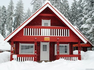 Photo for Detached mountain ski chalet in Borovets
