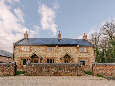 "Photo for SPACIOUS Country Cottage in Dorset with Hot Tub & 50"" SMART TV, sleeps 7"