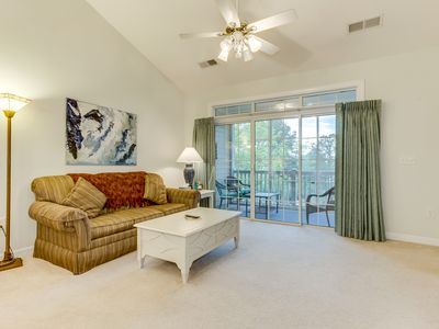 Photo for Well maintained, 3rd floor golf villa, 2.8 miles from beach