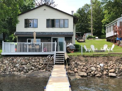 Newly remodeled cottage right on the water.