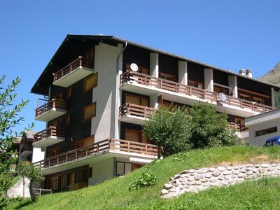 Photo for 2 beds in the living room - TV - kitchen - 1 shower/WC - terrace - facing : south - flat in a buildi