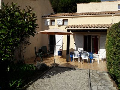 Photo for Quiet, in Sanary sur mer, T2 villa for 4 people