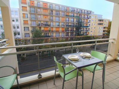 Photo for Vincennes 1BR - Tastefully Decorated, Balcony, Sauna, Close to Center of Paris!