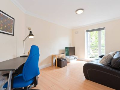 Photo for River View Modern Apartment in Dublin City Centre