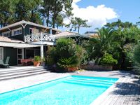 Excellent house close to the beaches of the Atlantic coast and the Basin