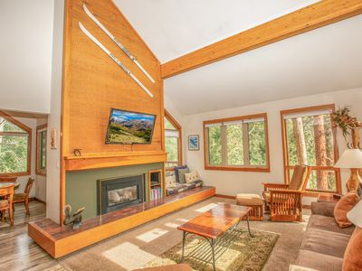 Photo for Bright & Spacious Condo in the Heart of Keystone, Easy Access to the Slopes!