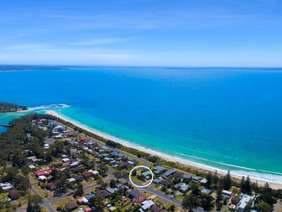 Photo for claudi's unit 3 by Jervis bay Beach Houses only steps to the beach