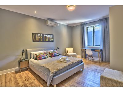 Photo for Modern Luxury Apartment in Green Point