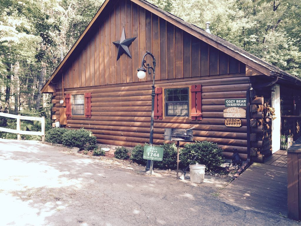 private cabin 10 mins 2 gatlinburg hot tub wifi cable