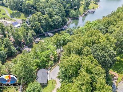 Photo for Hummingbird Cottage - Charming with Kayaks, Firepit and Pet Friendly! $50 Food Lion Gift Card with 3 night Thanksgiving Stay!