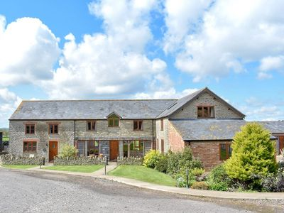 Photo for 4BR House Vacation Rental in Leigh, near Sherborne