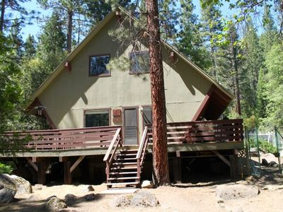 The Birdhouse is a unique custom built Yosemite cabin.