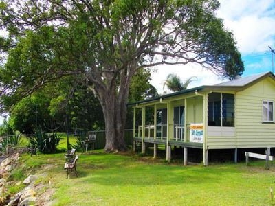 Photo for 3BR House Vacation Rental in AMITY POINT, QLD