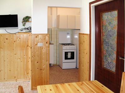 Photo for Beautiful apartment for 4 people with TV, balcony, pets allowed and parking