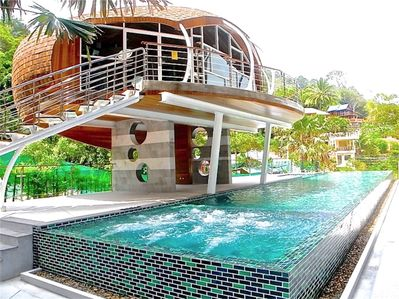 Pool view apartment in Patong!