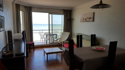Photo for Beachfront apartment with stunning views