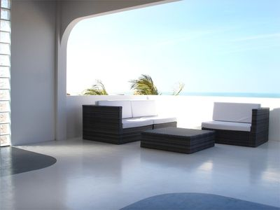Lounge with sea view at the first floor