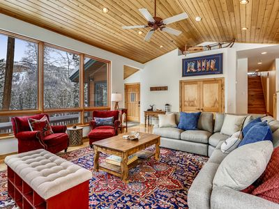 Photo for Custom Home, Amazing Mountian Views, 3 miles to Skiing!