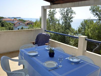 Photo for Two bedroom apartment near beach Milna (Vis)