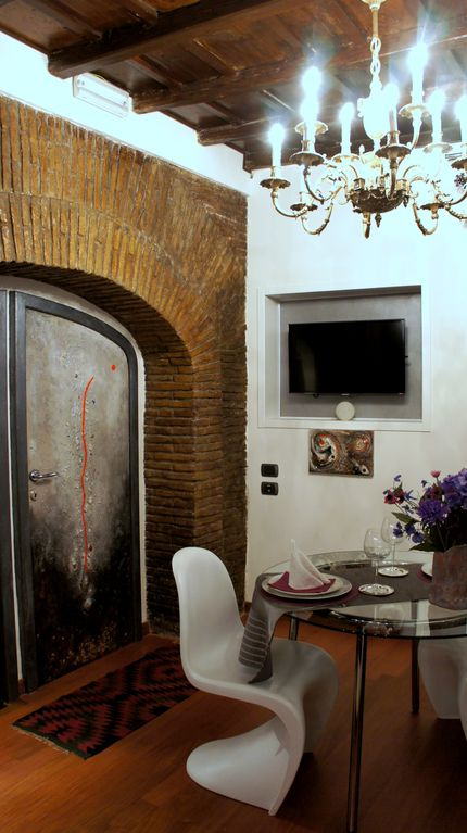 Domus31 luxury house in trastevere rome vacation rental roma property image7 domus31 luxury house in trastevere rome vacation rental sciox Gallery
