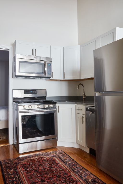 Lively 2BR in South End by Sonder
