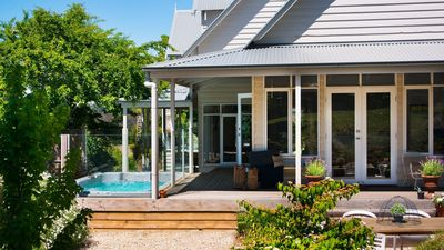 Photo for Sade's Daylesford | Sleeps 10 Resort Style