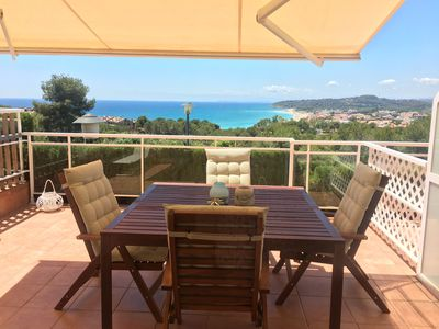 Photo for Townhouse with pool 500 meters from the beach. Ideal for families!