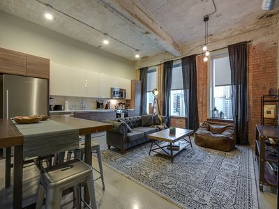 Photo for Luxury 2bd Downtown Dallas+Pool+Gym+FREE Valet
